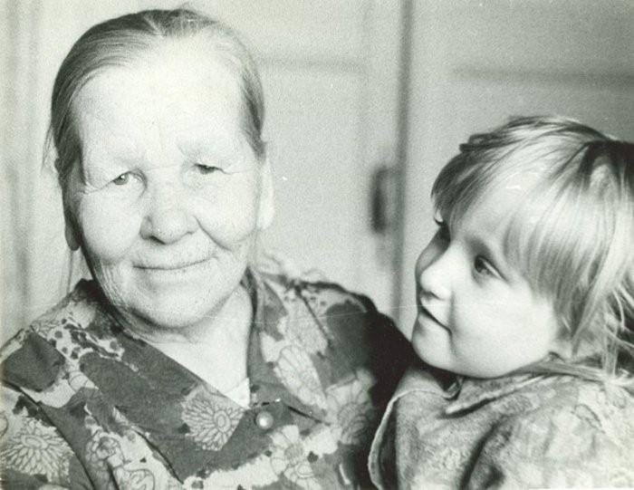 Картинки по запросу Сочинение ребёнка о бабушке